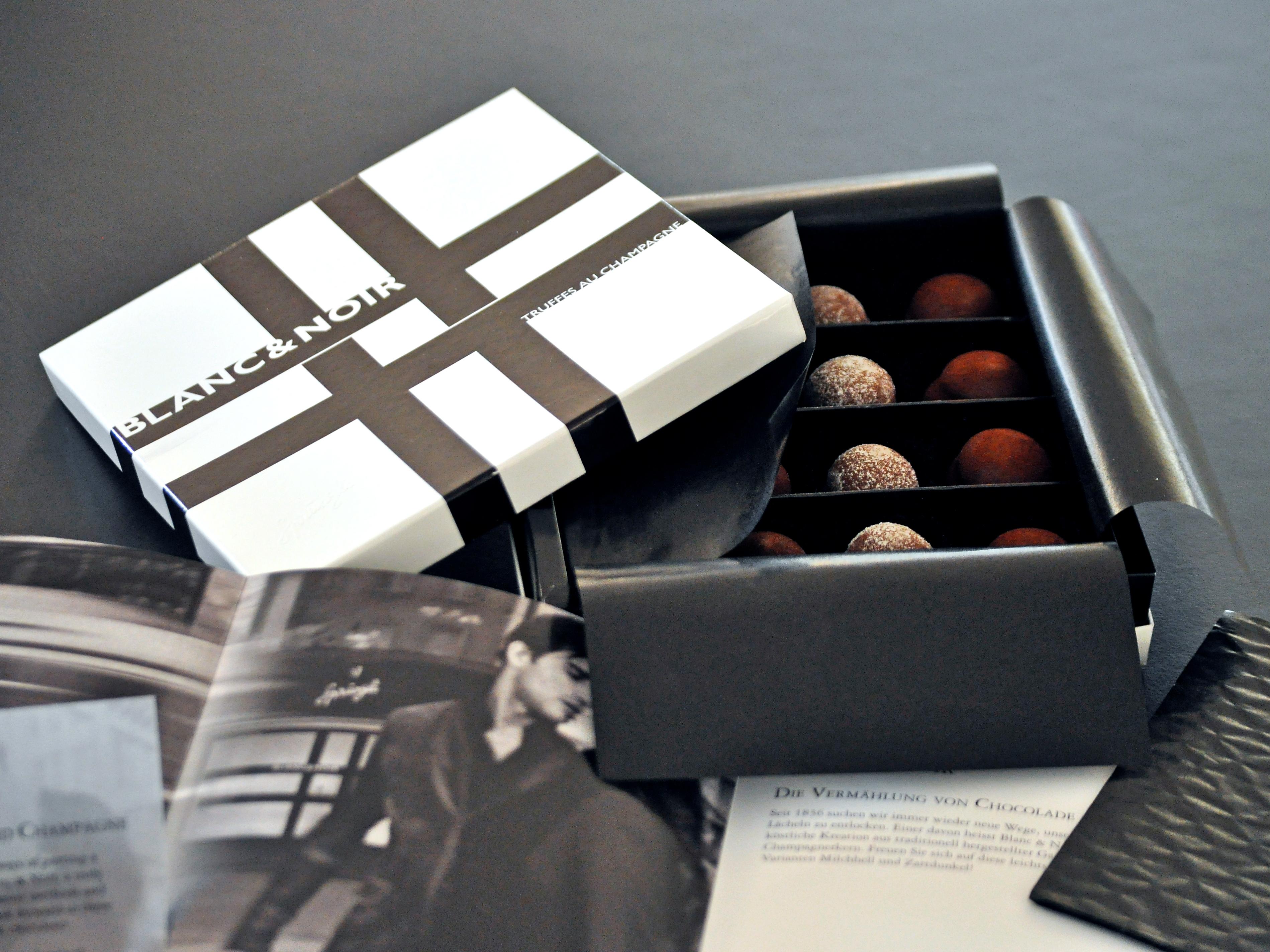 Confiserie Sprüngli Verpackungsdesign Noir et Blanc