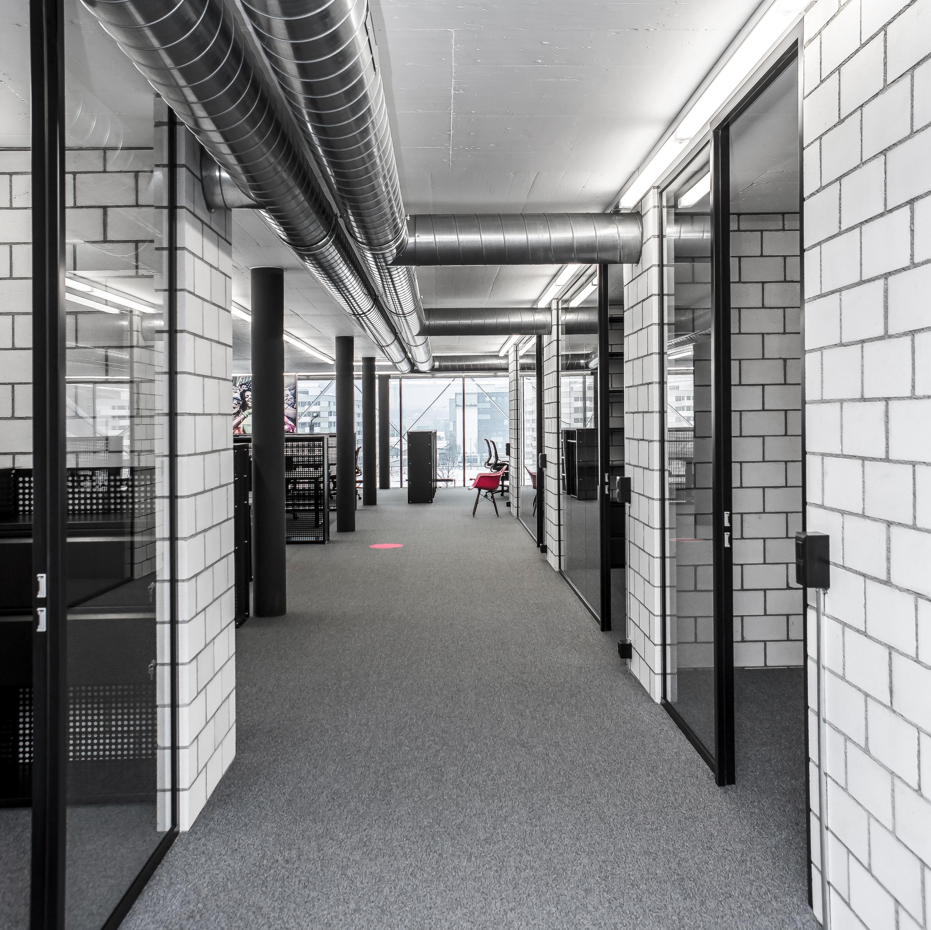 Ticketmaster Gestaltungskonzept Office Durchgang