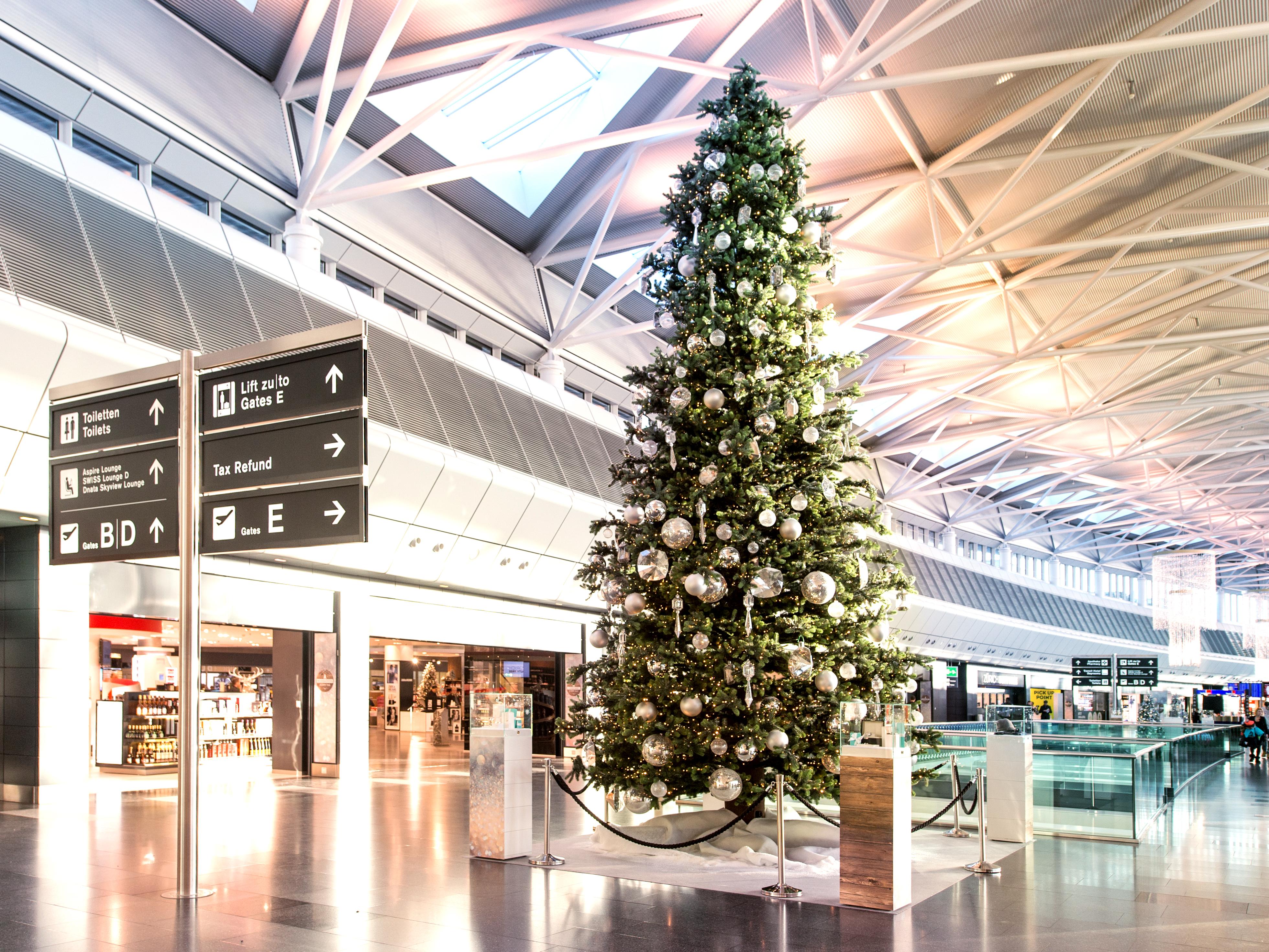Weihnachten Flughafen Zürich Weihnachtsbaum