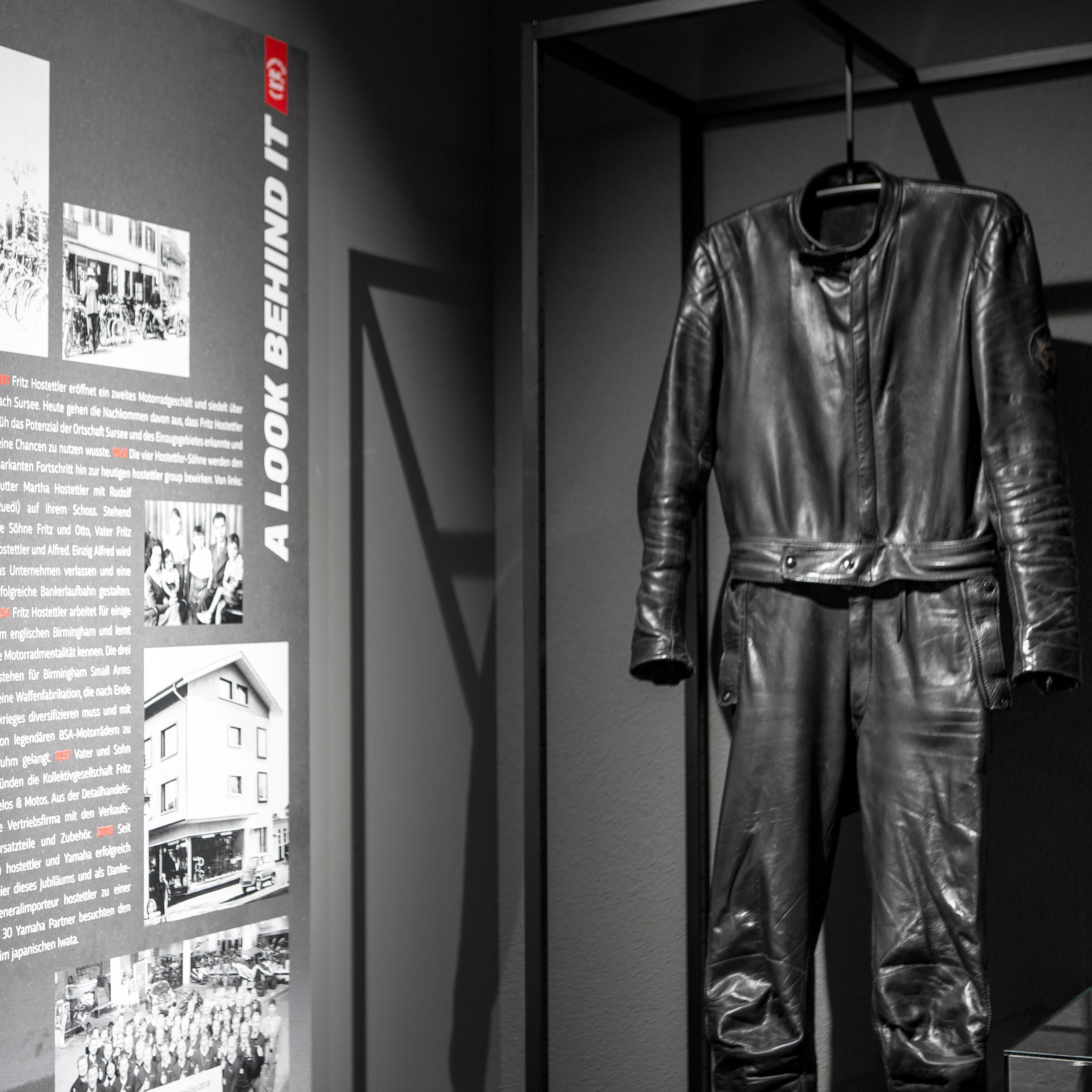 Hostettler Hall of Fame History Wall Lederkombi