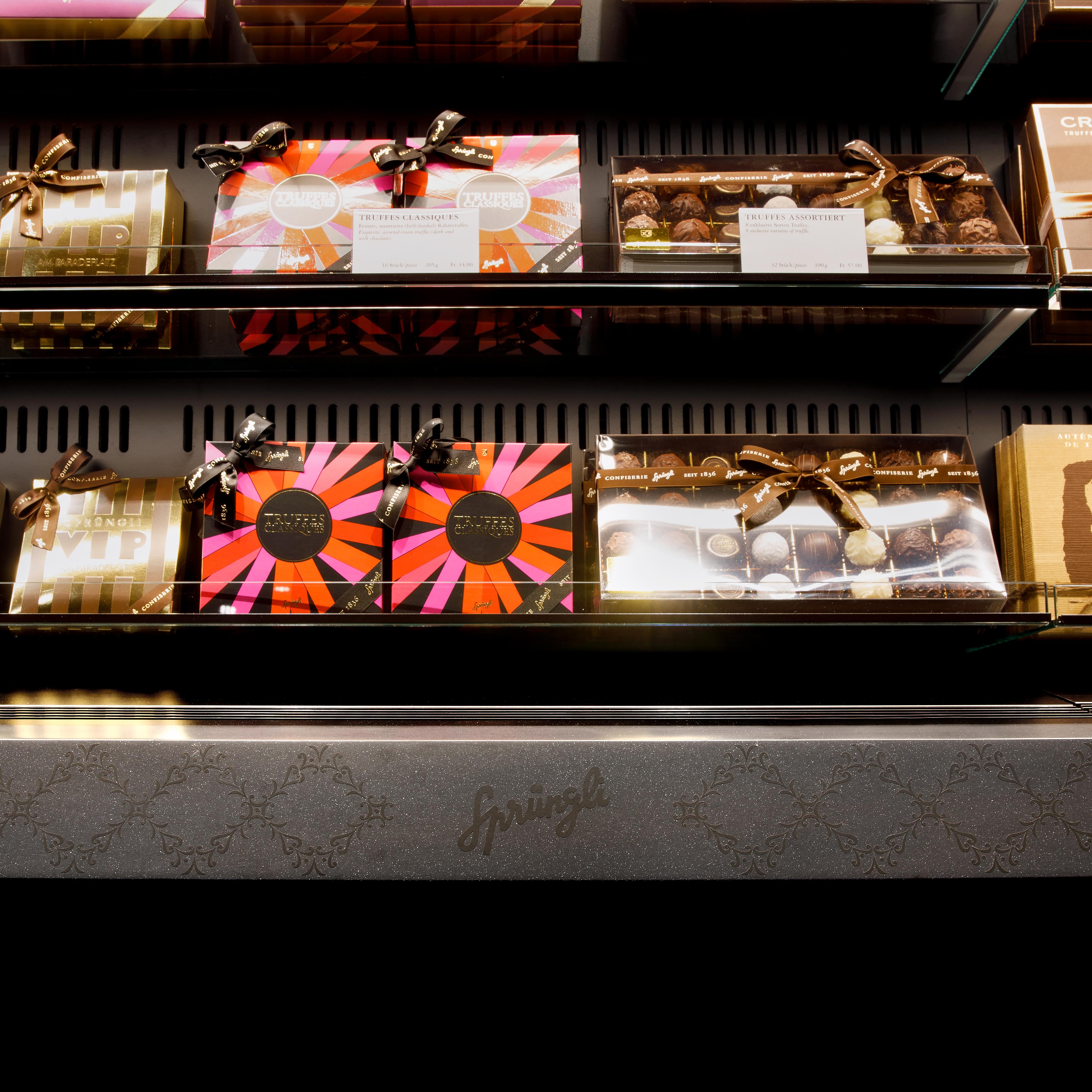 Confiserie Sprüngli Zürich HB Retaildesign Verzierung Detail