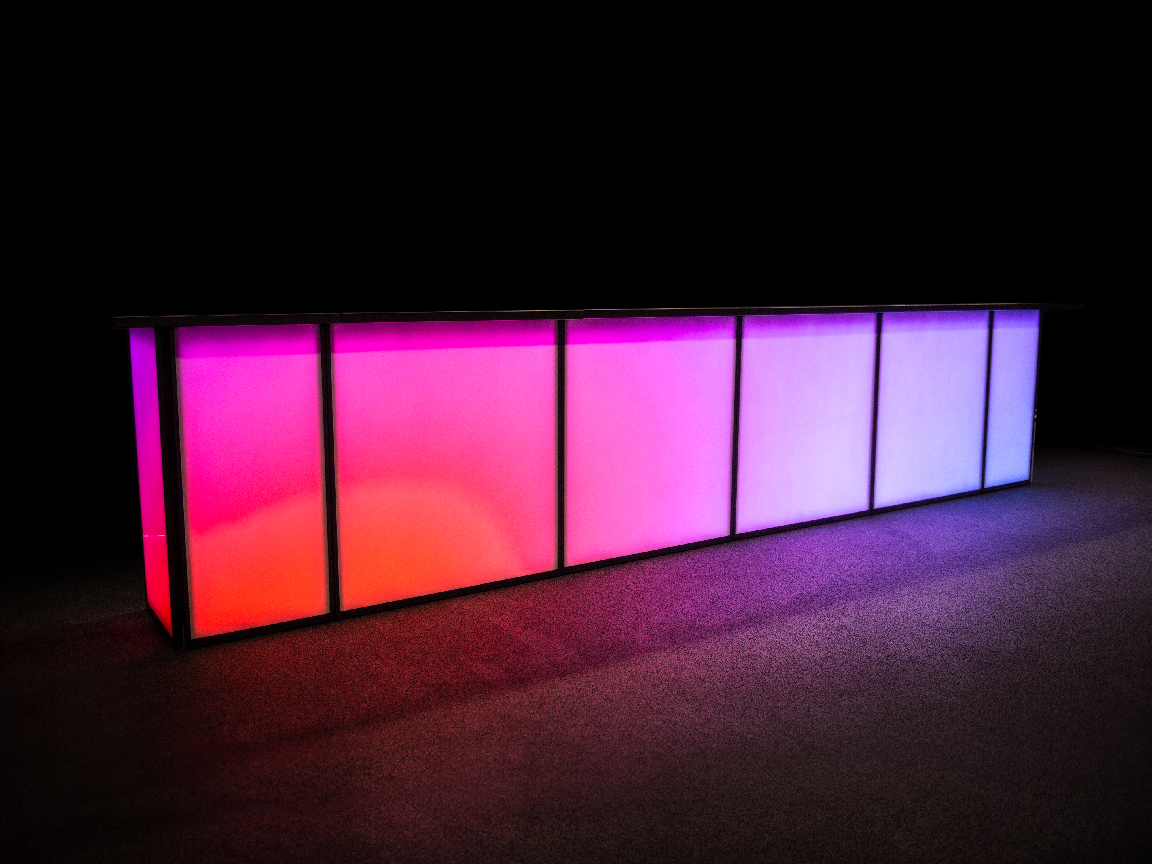 hauser & partner Mietbar Interaktive LED-Bar